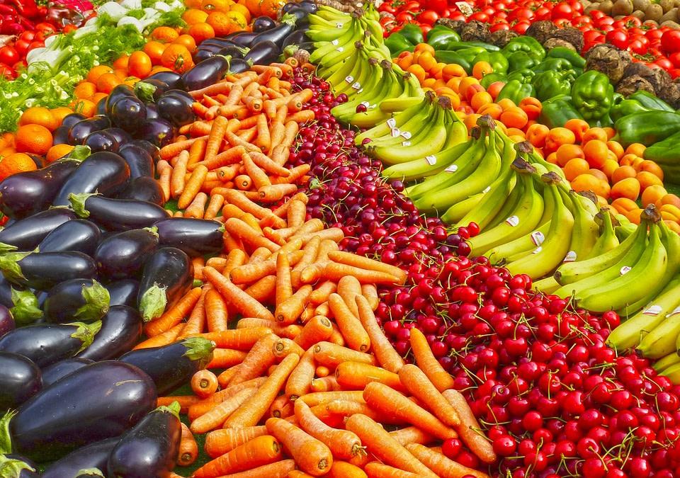 Manger des fruits et légumes pour réduire le risque de cataracte